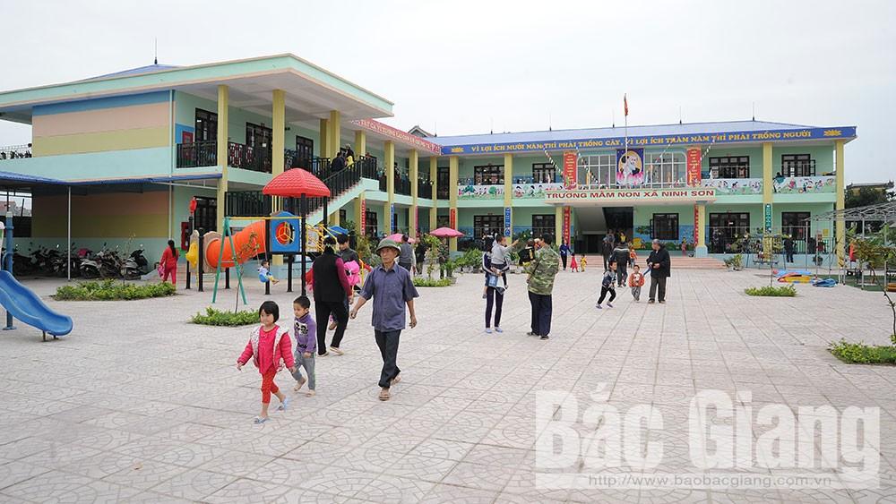 Xin ý kiến nhân dân về dự thảo báo cáo kết quả xây dựng nông thôn mới huyện Việt Yên